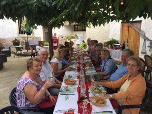 burgundy-wine-tour-2016-lunch-at-restaurant-cote-de-brouilly